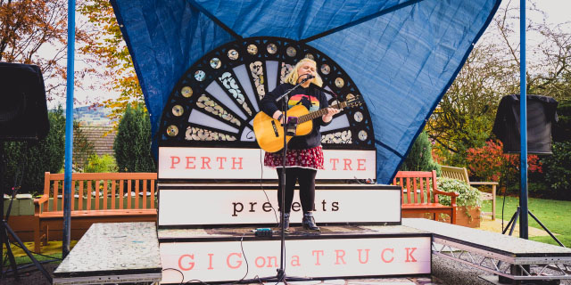Gig On A Truck Image